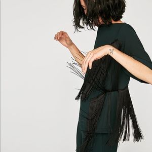 FABULOUS GREEN TOP WITH FRINGE
